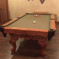 Beautiful Bailey Oak Pool Table & Accessories